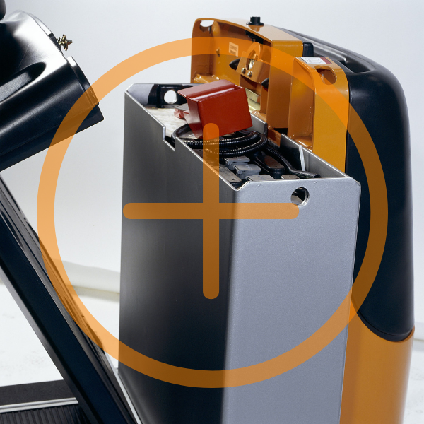 Top tips for maintaining your forklift truck battery